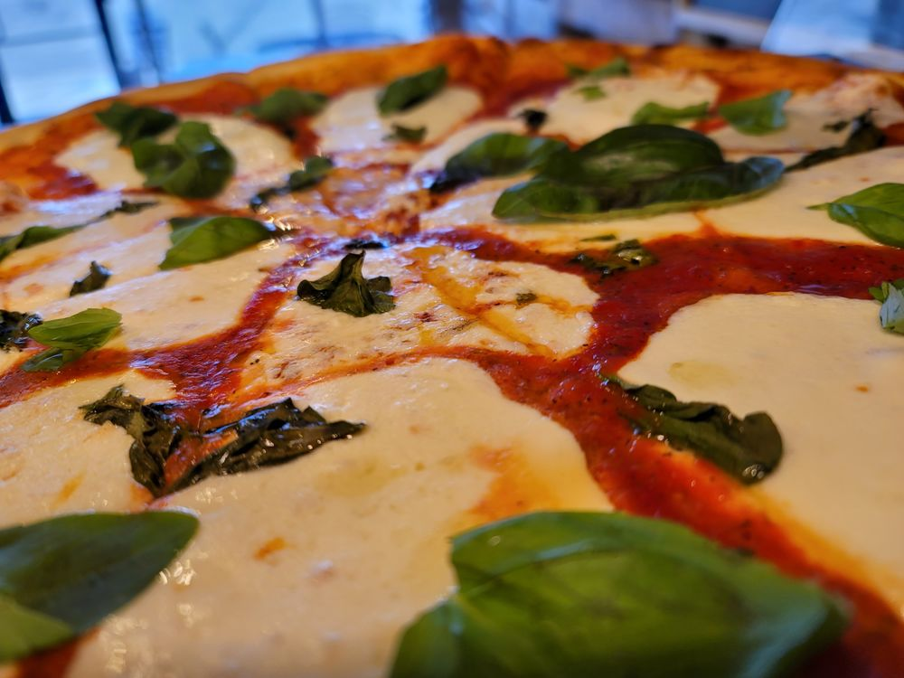 Cugini Pizzeria: 385 Crossing Dr, Lafayette, CO