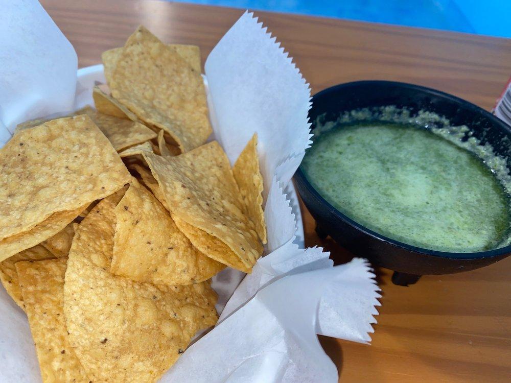 Food from Mariscos el nacho