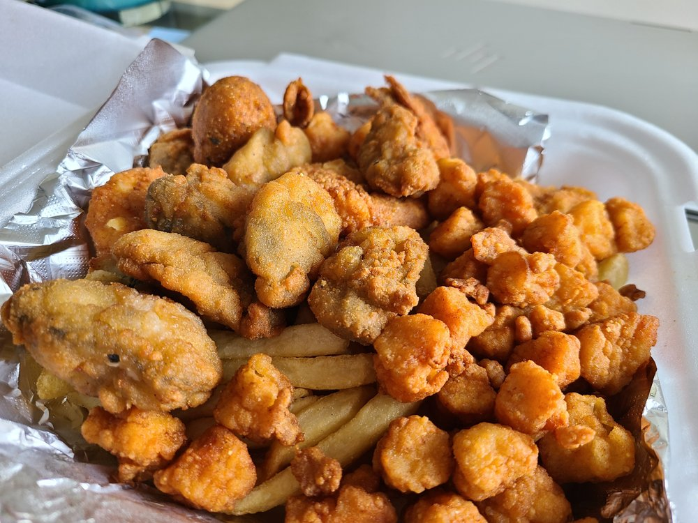 Hook'em Up Seafood & More