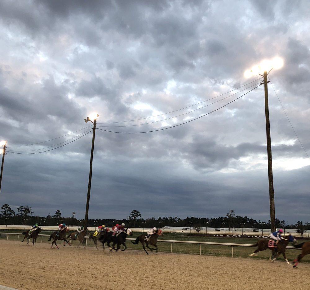 Delta Downs Racetrack, Hotel & Casino