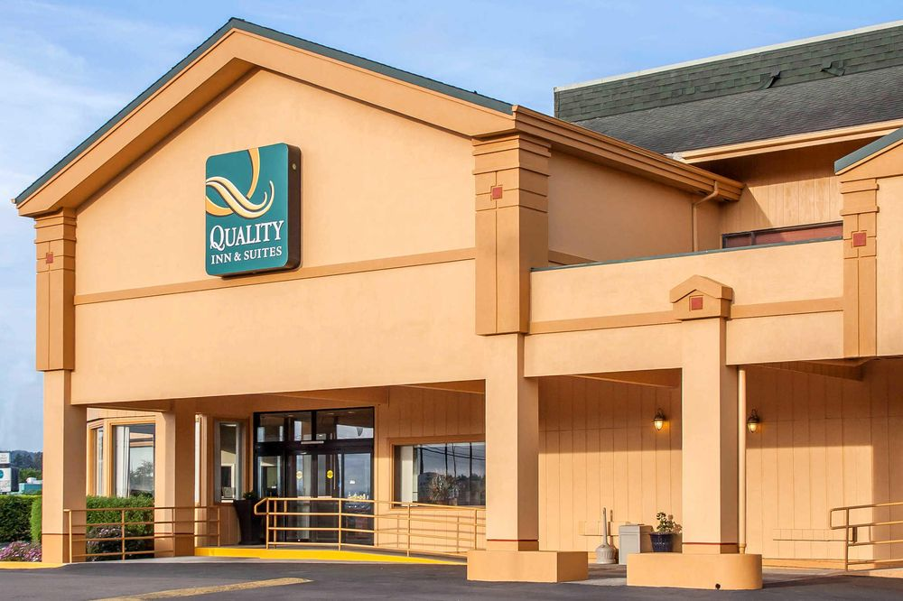Quality Inn & Suites at Coos Bay: 1503 Virginia Ave, North Bend, OR
