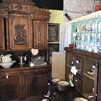 Somewhere In Time 10 Photos Antiques 720 W Lumsden Rd