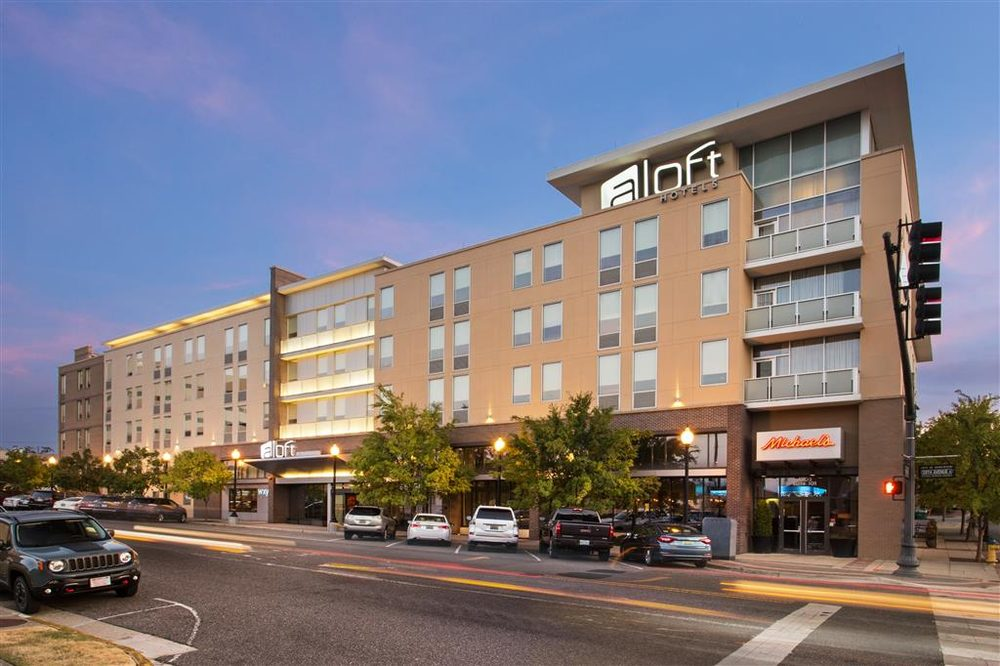 Aloft birmingham soho square 65 photos 78 reviews for Alf hotel downtown