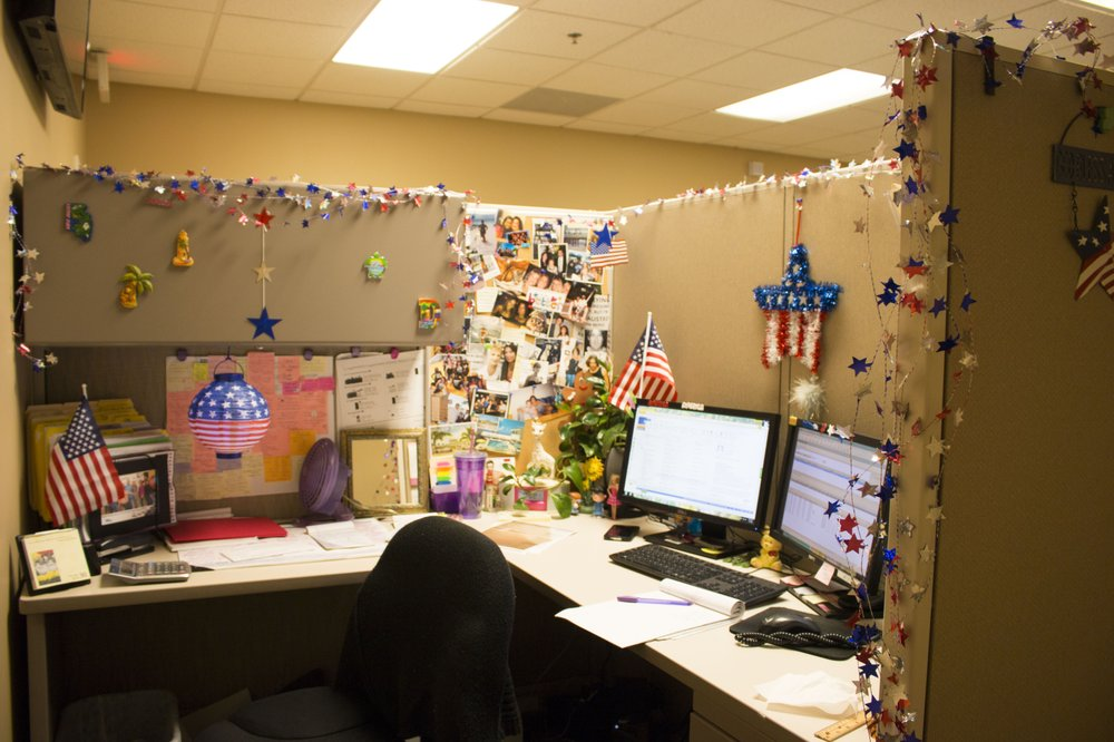 4th July cubicle decorating contest Yelp