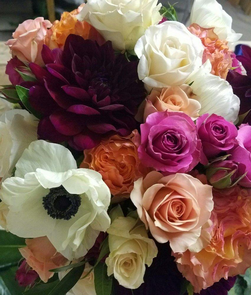 Charmant Photo Of Country Gardens Blair Florist   Blair, NE, United States