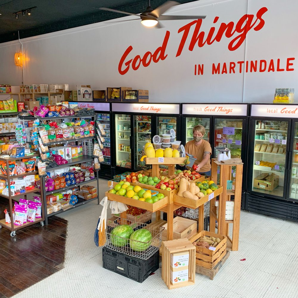 Good Things Grocery: 404 Main St, Martindale, TX