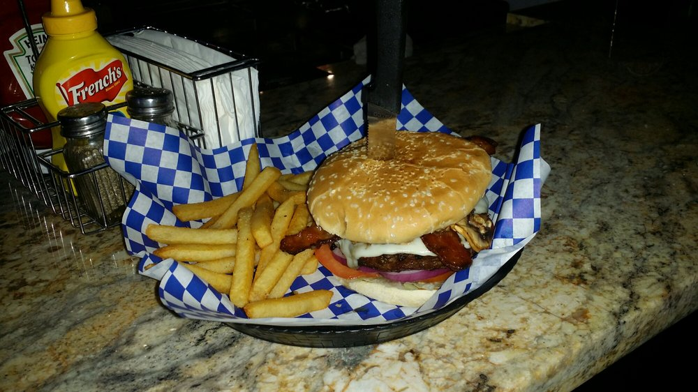 Stevie's Bar and Grill