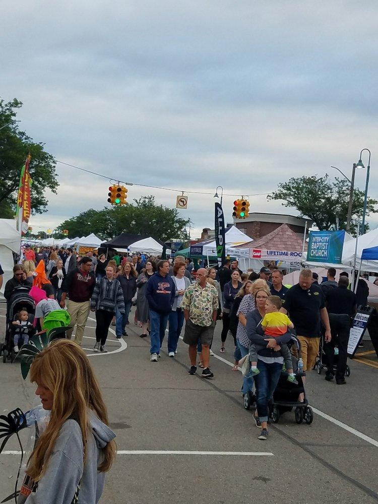 Allen Park Street Fair: Allen Rd, Allen Park, MI