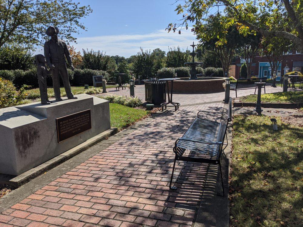 Town Square: 101 E Main St, Albemarle, NC