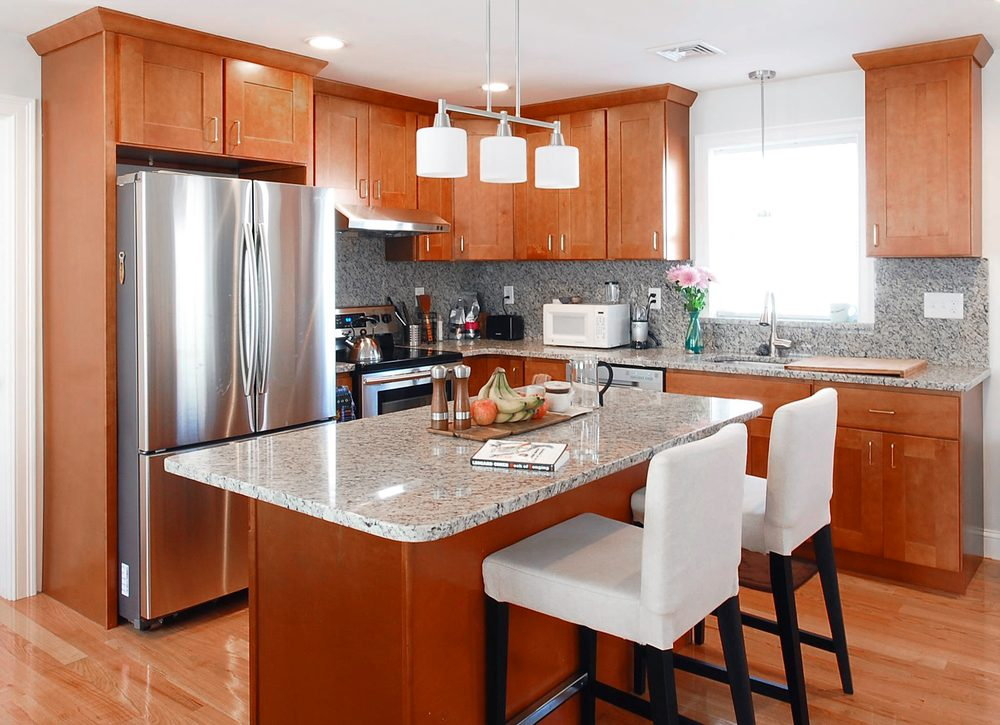 Stone Countertops Near Me : ... MA, United States. Sienna Shaker with Valle Nevado Granite countertop