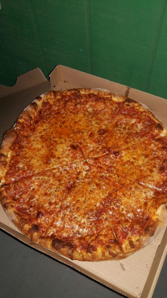 Circle E Diner: 369 E Front St, Hancock, NY