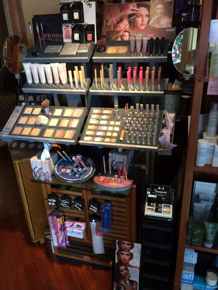 Ginger Root Salon: 4030 W Lake Creek Dr, Wilson, WY