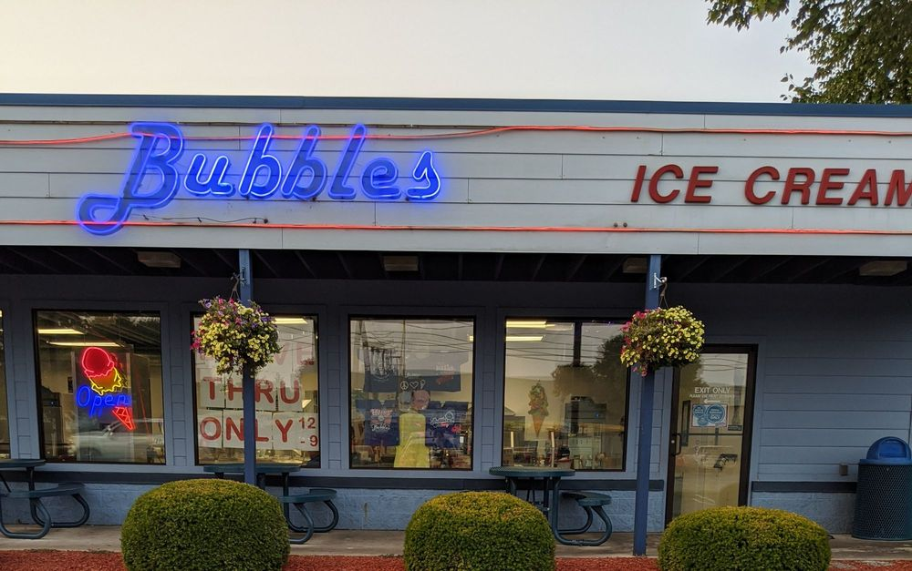 Bubbles Ice Cream Parlor: 115 W Coolspring Ave, Michigan City, IN