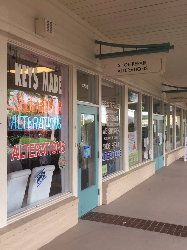 Tony's Shoe Repair: 4759 N Congress Ave, Boynton Beach, FL