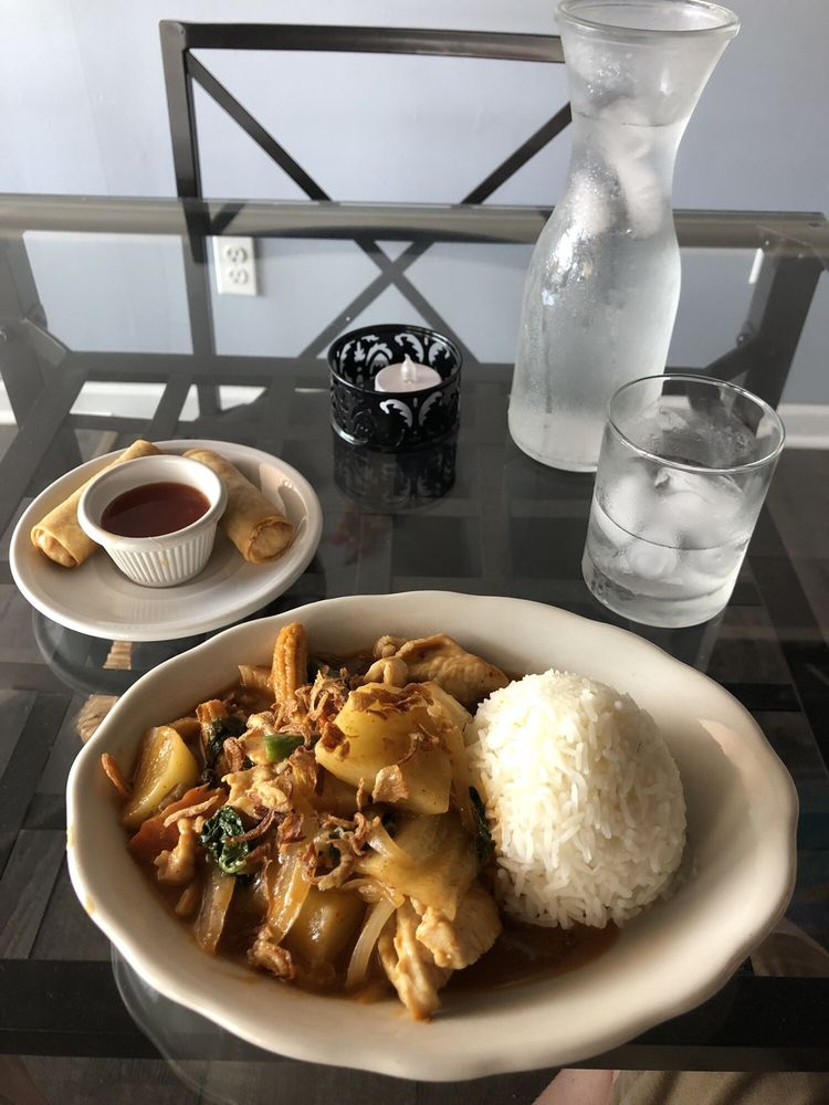 Thai Thai: 21 E Hight St, Glassboro, NJ