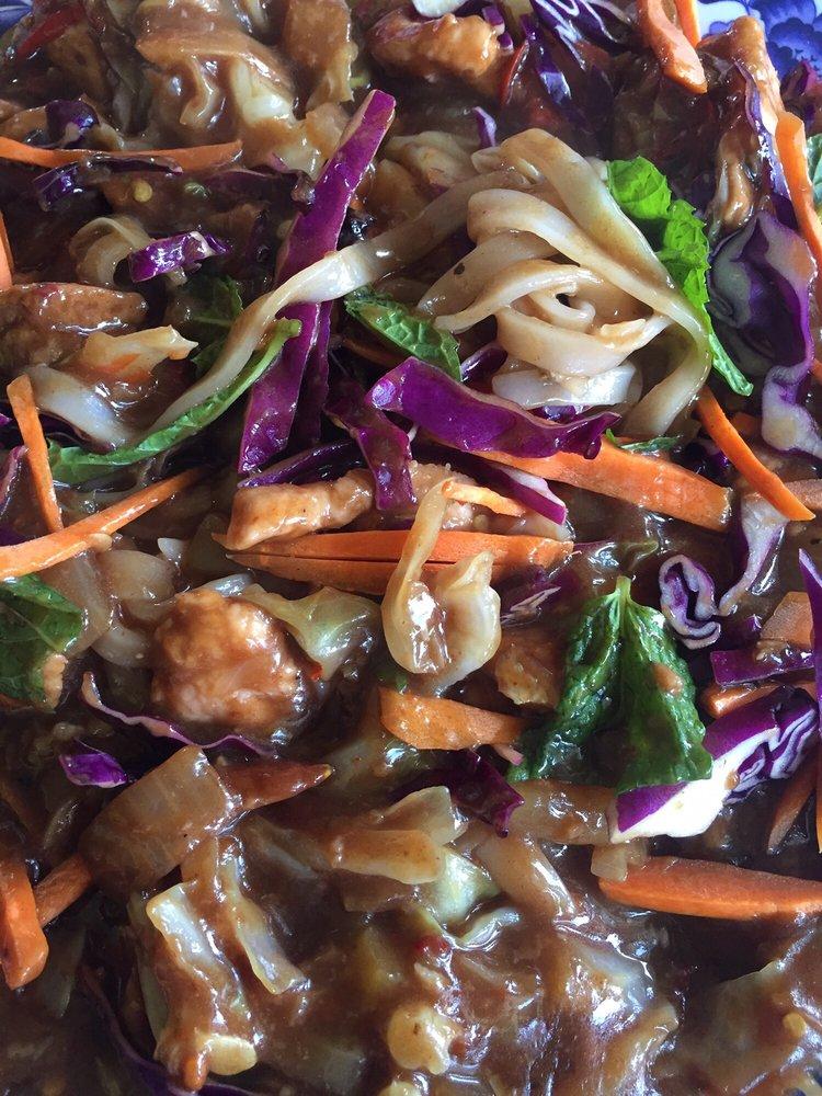 Lisa's Kitchen: 516 Lake Ave, Gothenburg, NE