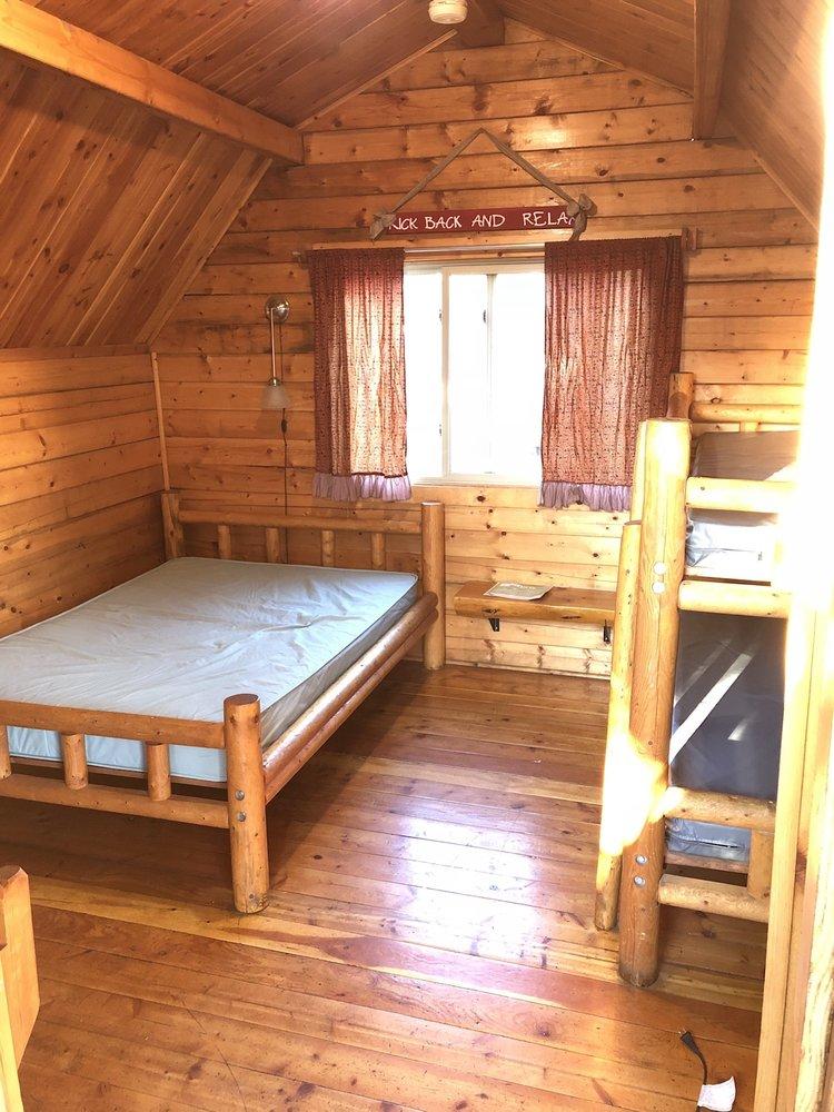 Redwood Coast Cabins & Rv Resort: 4050 N Hwy 101, Eureka, CA