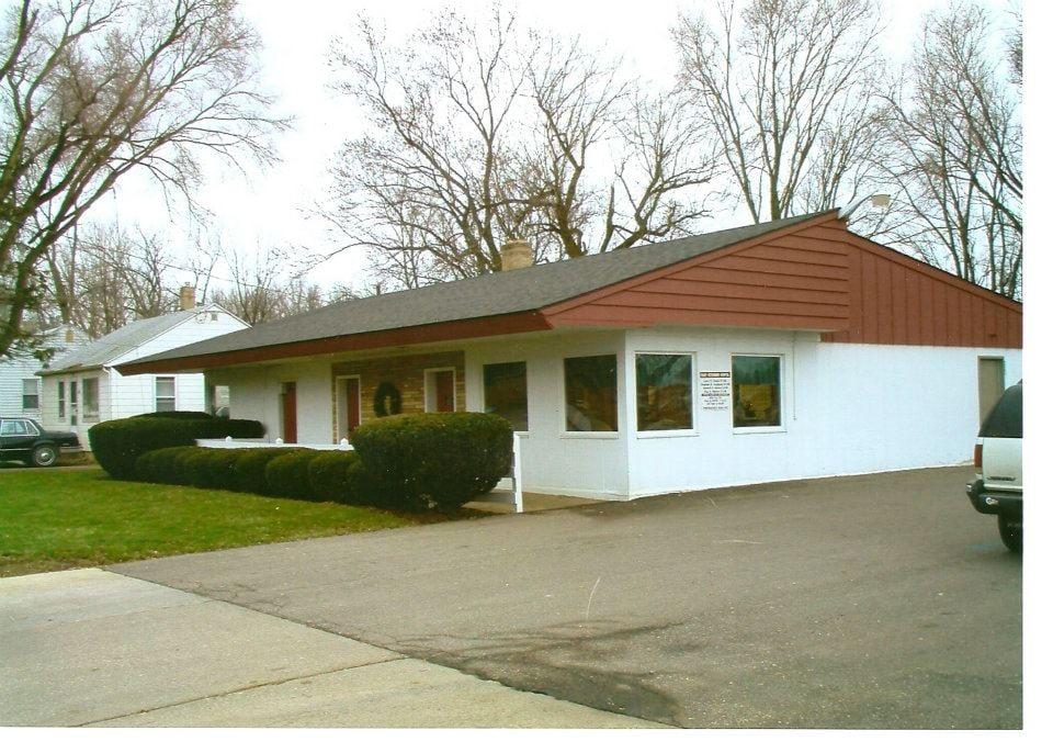 Fohey Veterinary Hospital: 824 S Mill St, Clio, MI