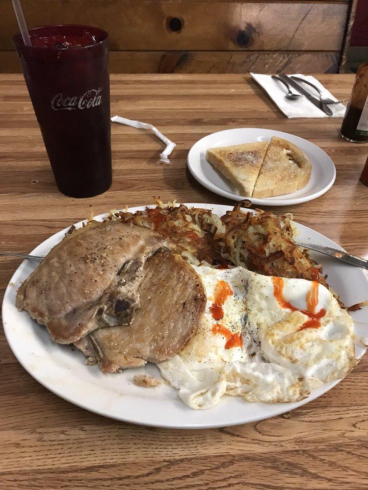 Powderhorn Cafe: 321 NE 6th St, Grants Pass, OR