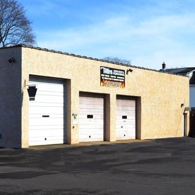 Tom's Auto Body & Service Center - Auto Repair - 122 N 7th Ave ...