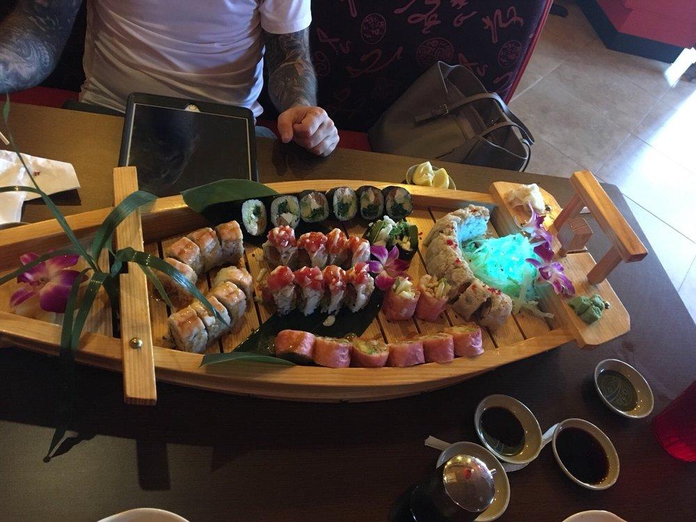 Yu-Mi Sushi: 940 Cedar Rd, Chesapeake, VA