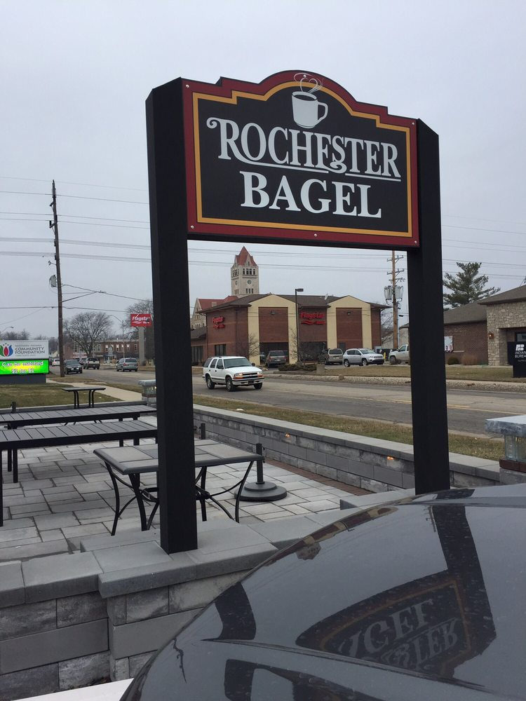 Rochester Bagel & Coffee House: 231 E 9th St, Rochester, IN