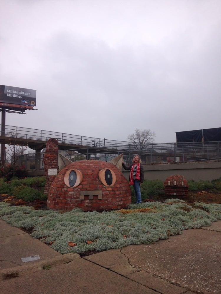Monumental Kitty: Cochrane At I-75, Detroit, MI