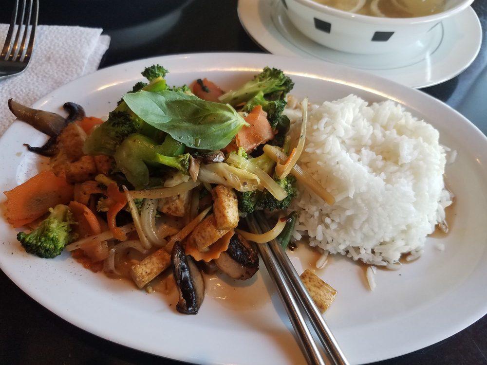 Bangkok Pho And Thai Food Express: 50 S Main St, Willits, CA