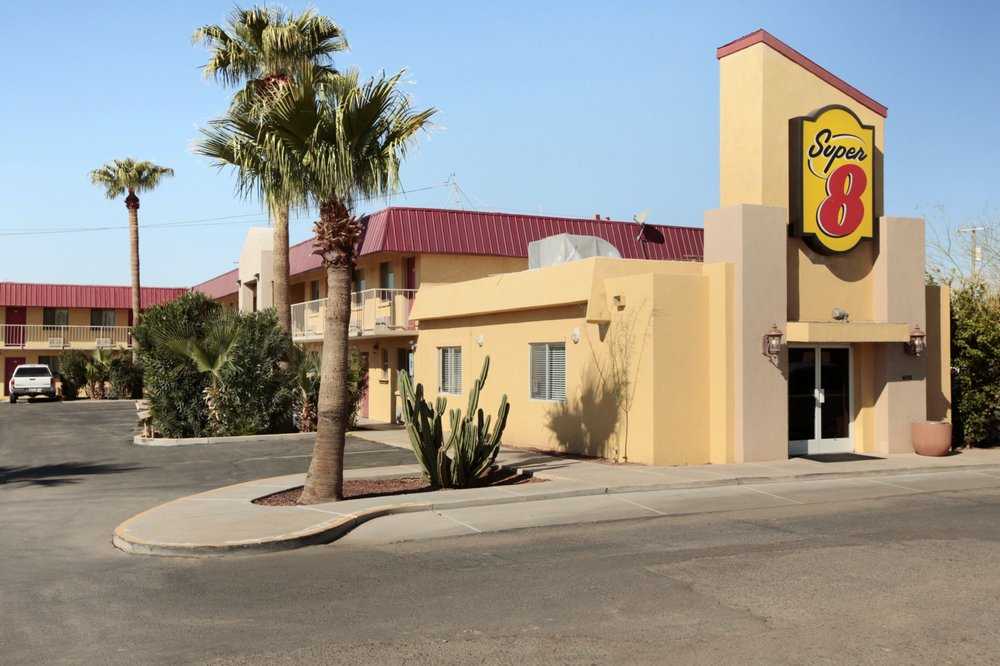 Super 8 by Wyndham Eloy: 4015 W Outer Dr, Eloy, AZ