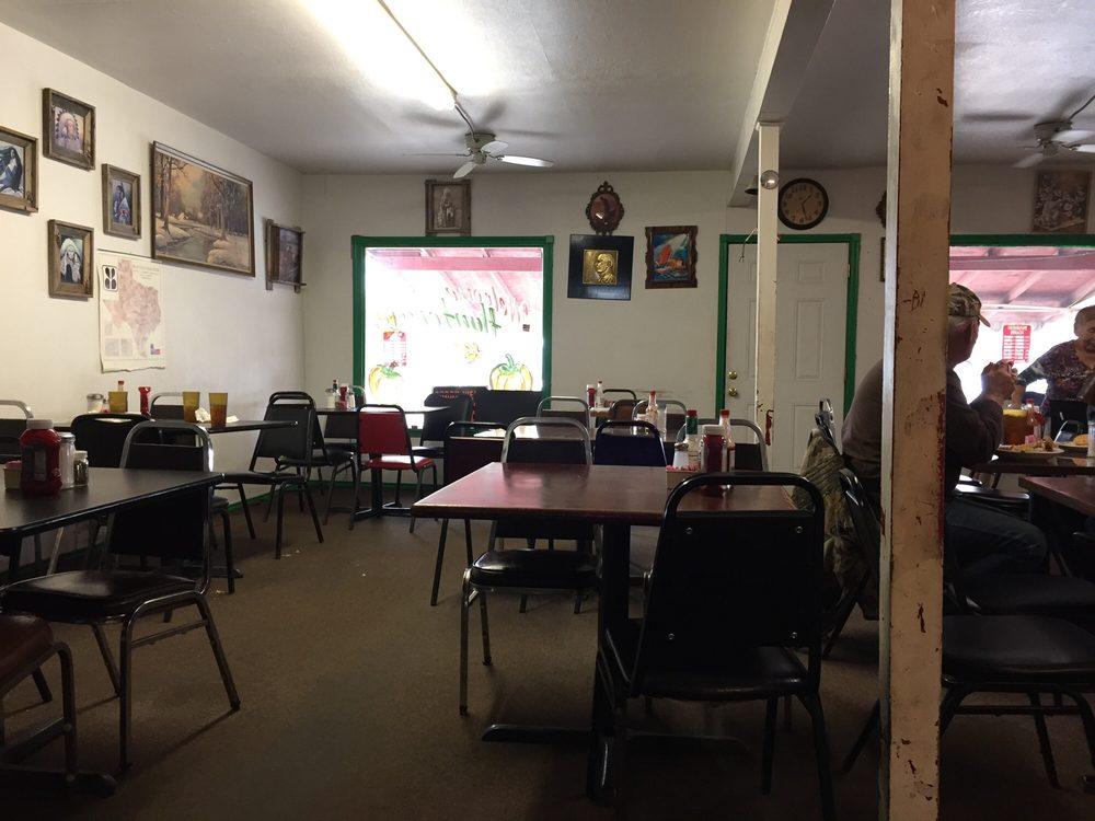 87 Cafe: 700 San Angelo Hwy, Brady, TX