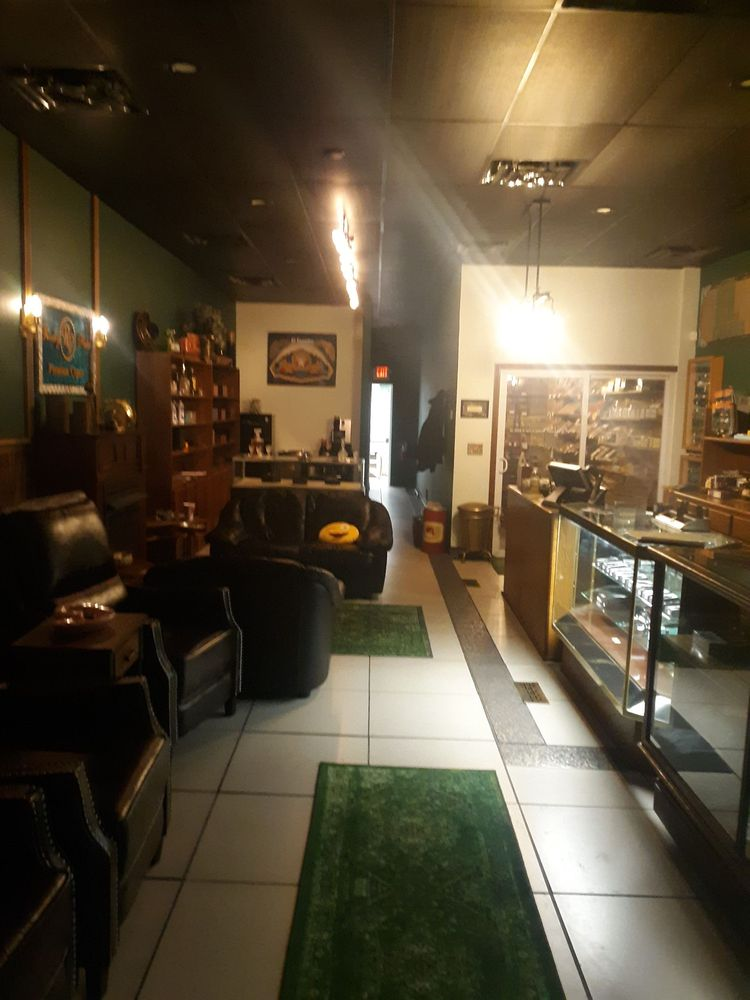 El Fumador Cigars & Pipes: 518 Beaver St, Sewickley, PA