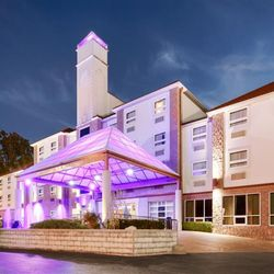 Best Western Plus Sandusky Hotel Suites