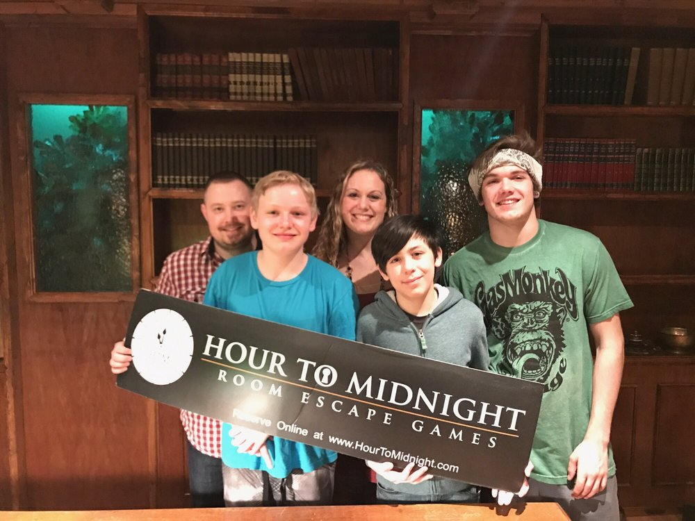 Hour To Midnight - Room Escape Games