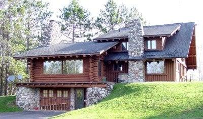 Carlin Lake Lodge: 12338 Carlin Club Dr, Presque Isle, WI