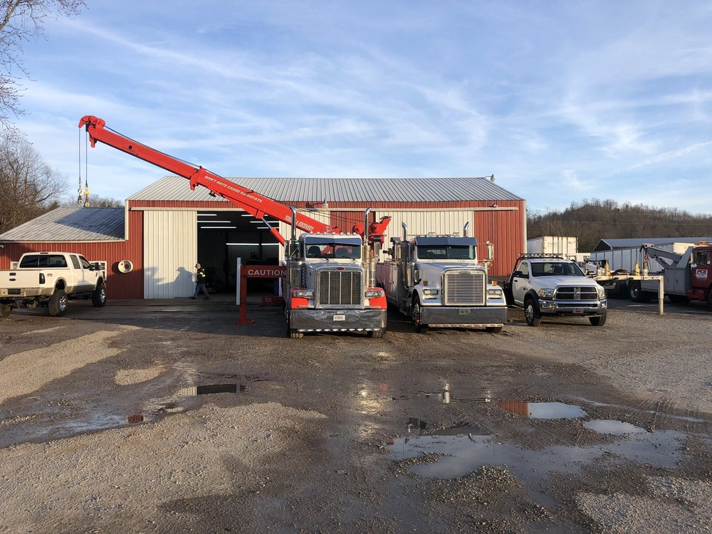 PCS Towing & Recovery: 5982 S Dixie Hwy, Horse Cave, KY
