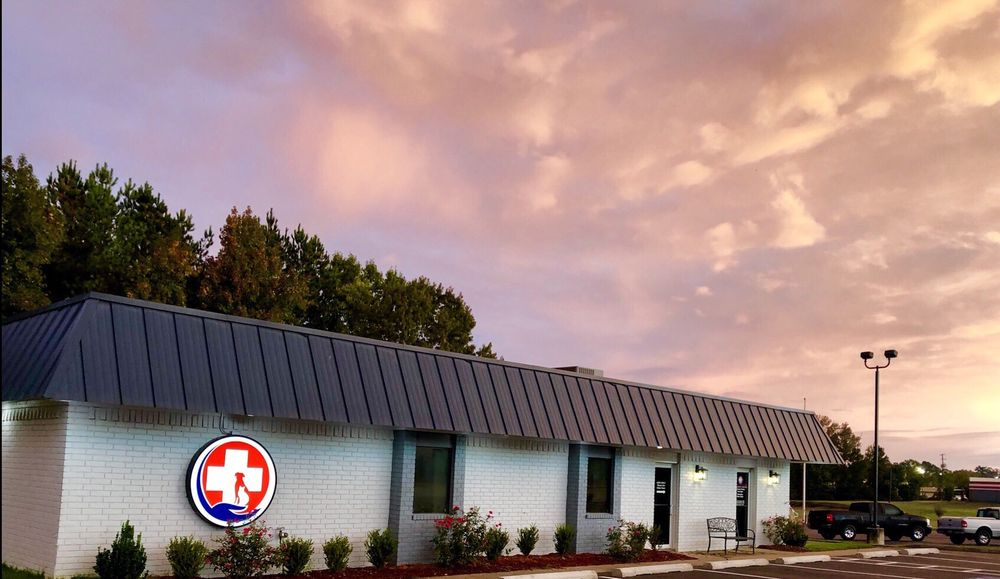 South Arkansas Veterinary Hospital: 2920 Pine St, Arkadelphia, AR
