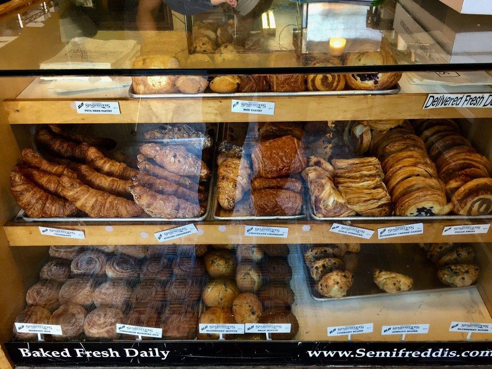 Semifreddi's Bakery: 372 Colusa Ave, Kensington, CA