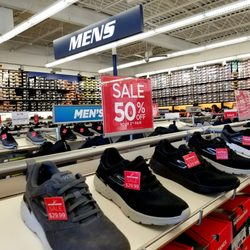 d209badd75 SKECHERS Factory Outlet - 20 Photos - Shoe Stores - 5000 S 76th St ...