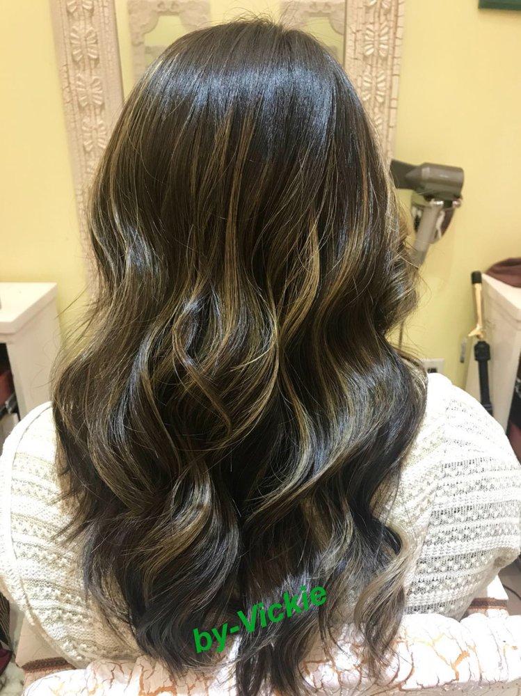 Royal Beauty Hair Salon: Skyview Ctr, Flushing, NY
