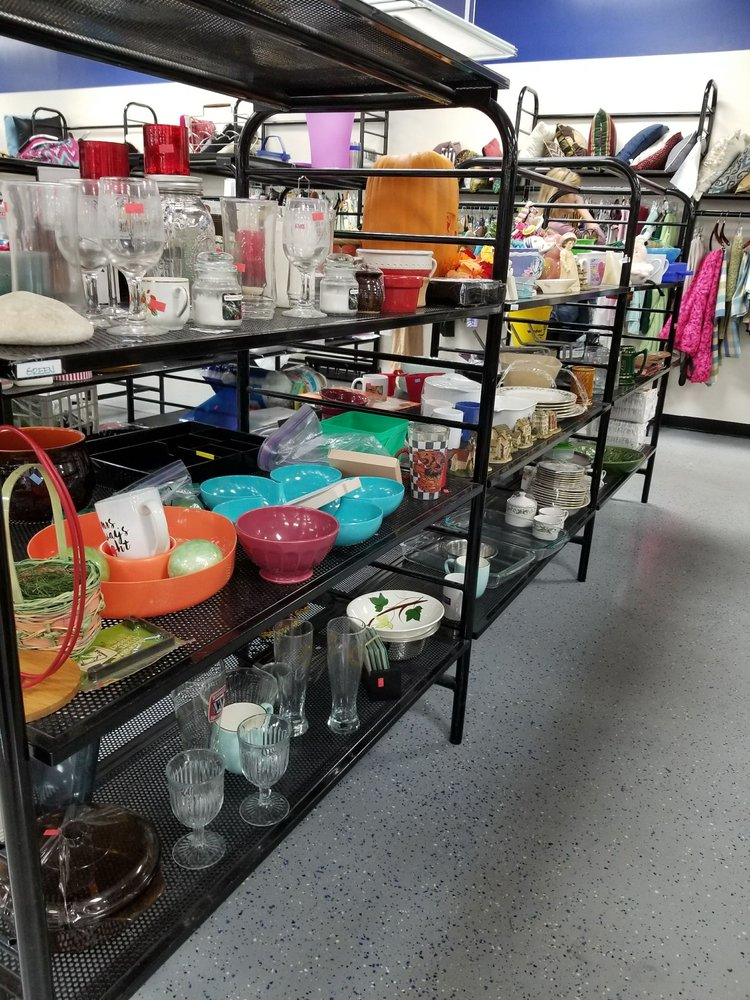 goodwill of north florida 12 photos 10 reviews thrift stores 11240 beach blvd southside. Black Bedroom Furniture Sets. Home Design Ideas