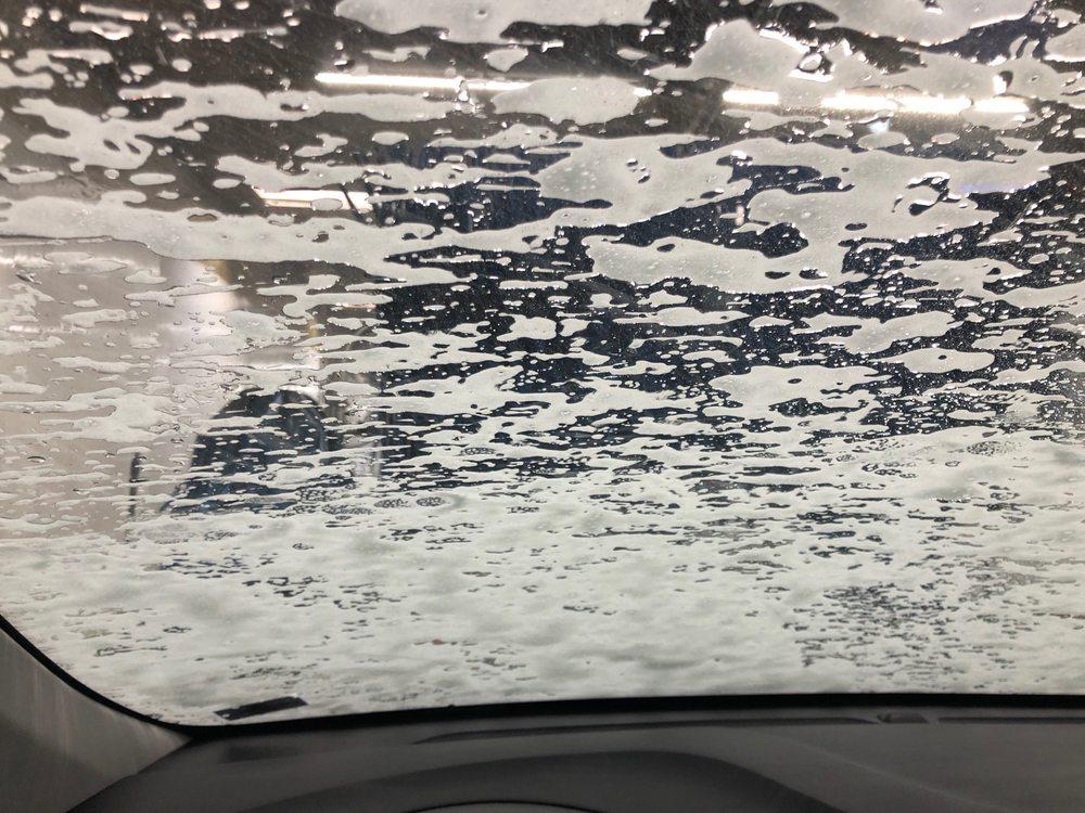 Big Splash Car Wash: 12204 Blue Ridge Ext, Grandview, MO