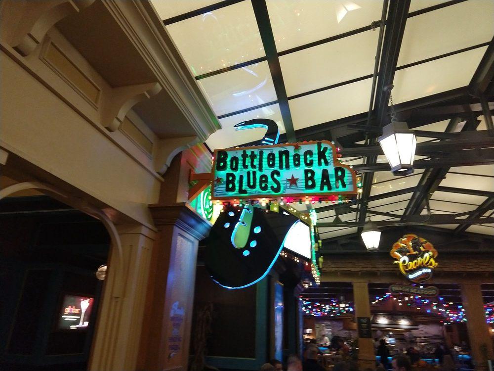 Bottleneck Blues Bar: 1 Ameristar Blvd, St Charles, MO