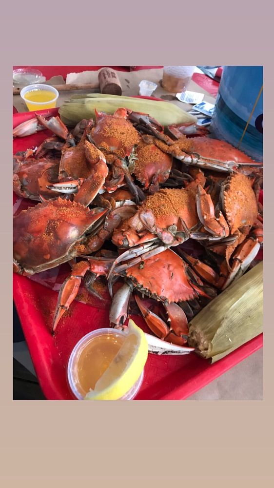 The Crab House: 1 Fish Dock Rd, Wildwood Crest, NJ