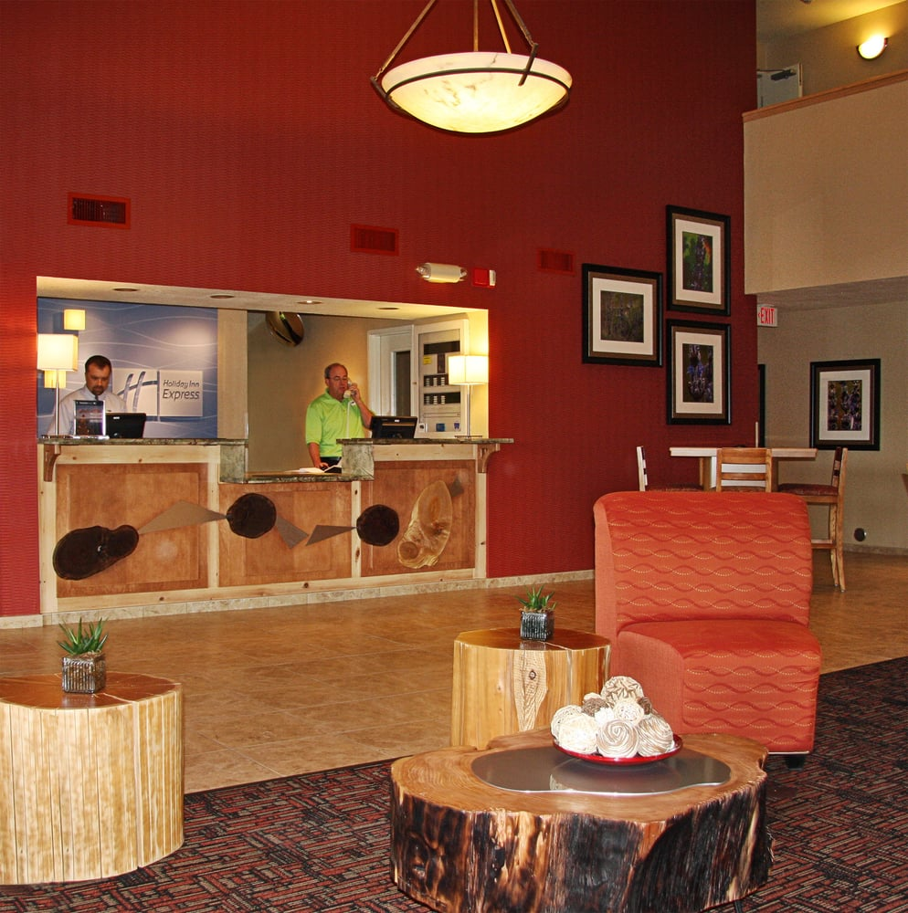 Holiday Inn Express Grants Pass: 105 NE Agness Ave, Grants Pass, OR
