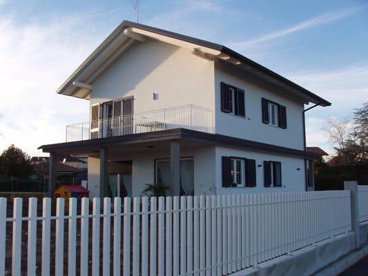 Michelus case richiedi preventivo vendita case for 1 piani di fattoria storia con avvolgente portico
