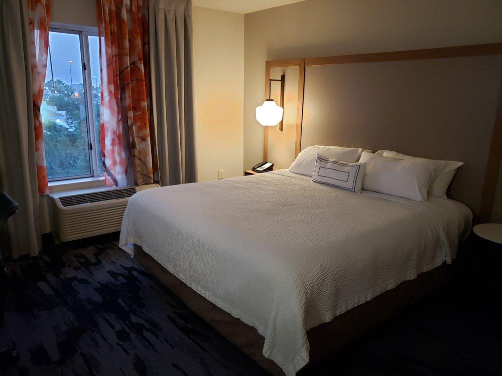 Fairfield Inn & Suites: 700 W Hillside Rd, Laredo, TX