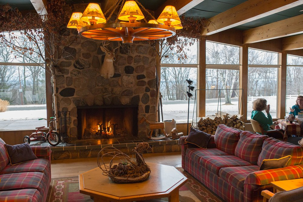 Birchwood Inn: 7291 S Lake Shore Dr, Harbor Springs, MI