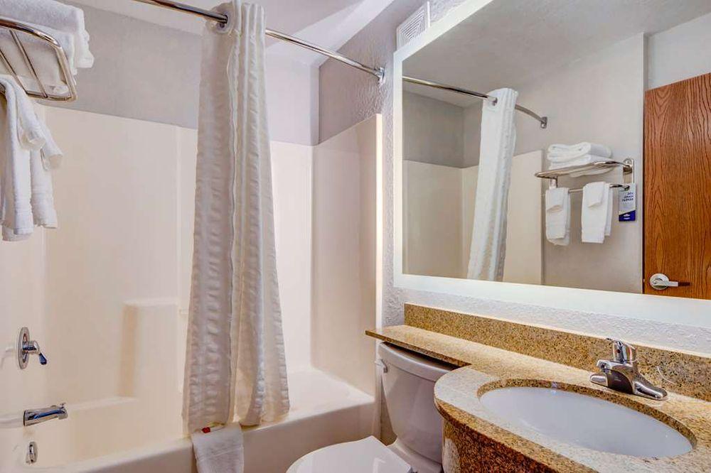 Microtel Inn & Suites By Wyndham Zephyrhills - Zephyrhills