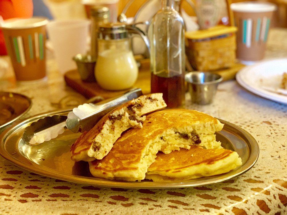 Heritage Farm Pancake House: 16 Parker Hill Rd, Sanbornton, NH