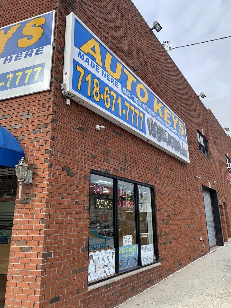 Auto Keys Made Here: 2203 New England Thruway, Bronx, NY